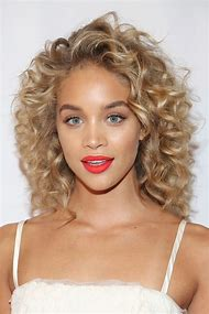 Celebrity Hairstyles for Curly Hair