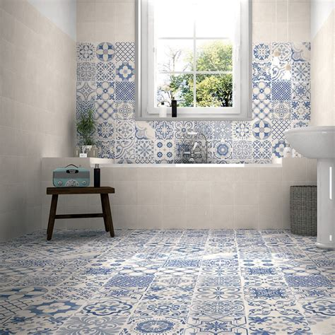 tile ideas perfect  small bathrooms cloakrooms