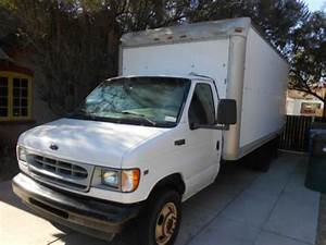 Sell Used 2002 Ford E350 Cutaway 16 U0026 39  Boxed Van V8  Auto  Od  Rollup Rear Door  Loading Ramp In