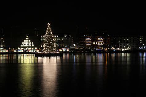 weihnachtsbaum alster weihnachtsbaum an der alster foto bild deutschland europe hamburg bilder auf fotocommunity