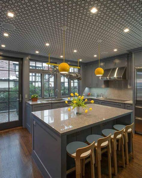 cuisine jaune et gris idée déco cuisine une déco cuisine moderne en jaune et gris