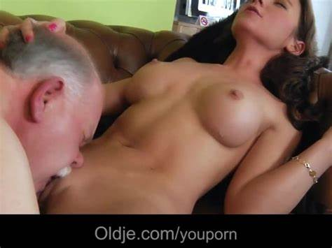 Bleached Lady Is Gets With An Youthful Male