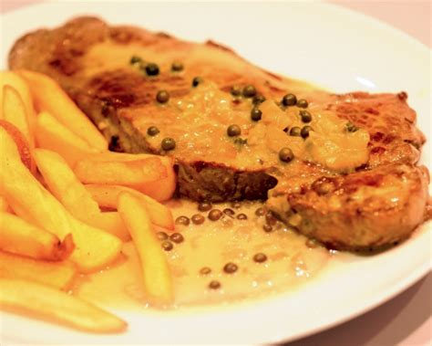 cuisiner entrecote recette entrecôte sauce au poivre vert découvrez cette