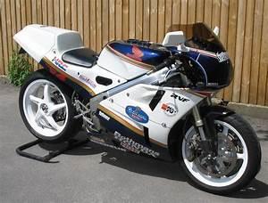Honda Rc 30 : vfr750r rc30 gordon 39 s rc30 bike story page ~ Melissatoandfro.com Idées de Décoration