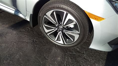 2017 Honda Civic Oem 17 Inch Wheels W/tires