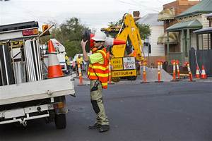 Safety Training For Traffic Flaggers Reviewed And Improved
