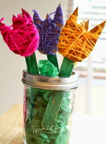 easy yarn wrapped flowers craft the garden classroom 466 | 7d0d0113fdc55629f61ee550a75ddc28