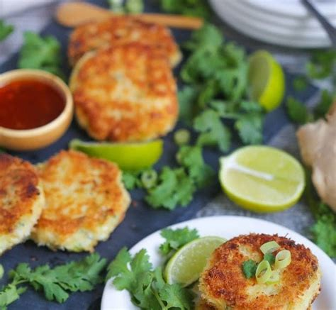 The crispy outside, creamy inside texture of crab cakes goes best with a creamy dip like mayonnaise. Best Condiment For Crab Cakes : Crisp Crab Cakes With ...