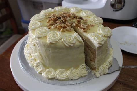 white chocolate cake the scarlet apron white chocolate hazelnut cake