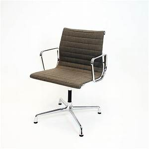 Vitra Eames Stuhl : aluminium chair ea 104 drehstuhl von vitra design ~ A.2002-acura-tl-radio.info Haus und Dekorationen