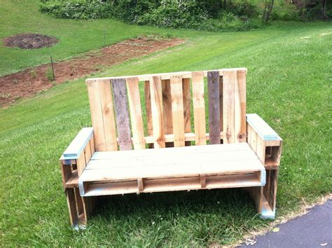 diy outdoor pallet furniture plans diy pallet chair design ideas to try keribrownhomes 47242