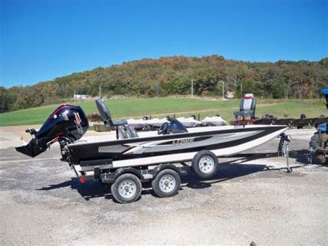 Lowe Boats Phone Number by 2018 Lowe 20 Catfish Www Eberlinboats