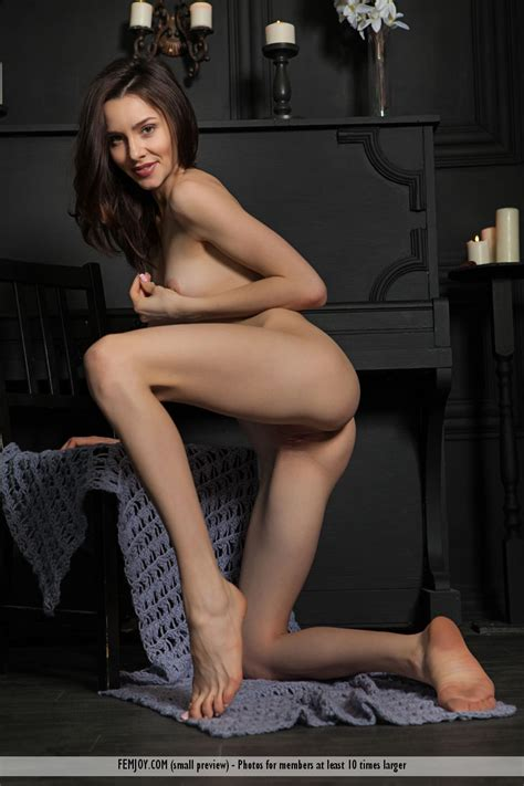 Long Legs Amber B Greatnass