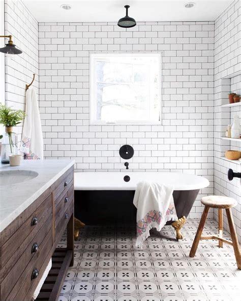 rustic modern farmhouse bathroom  white