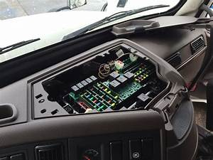 Volvo D13 Fuse Box