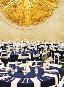 Deco Mariage Bleu Marine : beaux mariages le mariage de justin et lauren en bleu marine et rose ~ Teatrodelosmanantiales.com Idées de Décoration