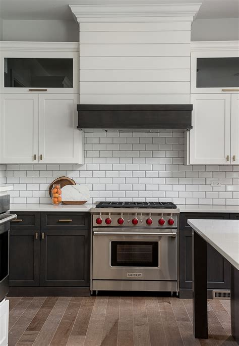 maple kitchen cabinets photos modern farmhouse with blue exterior home bunch interior 7070