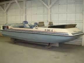 Harris Kayot Deck Boat by Used 1987 Harris Kayot 170 Flotedek Fremont In 46737