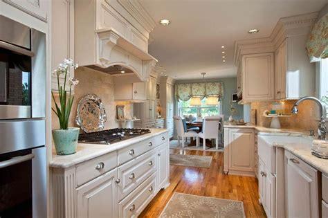 farmhouse style kitchen cabinets 26 farmhouse kitchen ideas decor design pictures 7165