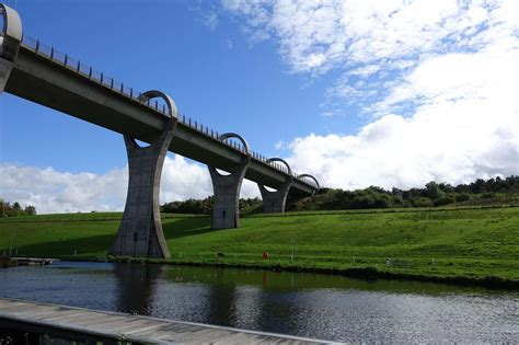 Boat Lift Scotland by The Falkirk Wheel Rotating Boat Lift In Scotland