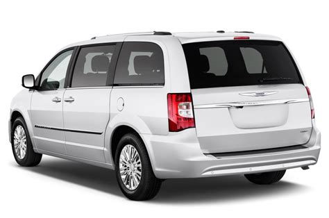 town und country musterhaus 2016 chrysler town country reviews and rating motor trend