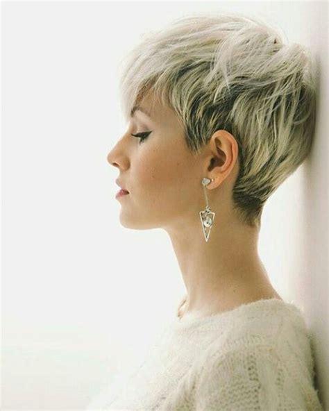 peinados modernos  mujer  pelo corto elsexoso