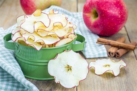 Žāvēti āboli no vecmāmiņas pūra lādes. Kāpēc ieteicams tos ēst? | VIASMS.LV