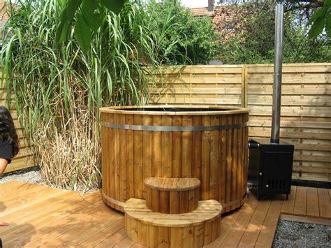 Whirlpool Garten Beheizt by Badezuber 200cm Aus Thermoholz Mit Kunststoff Und