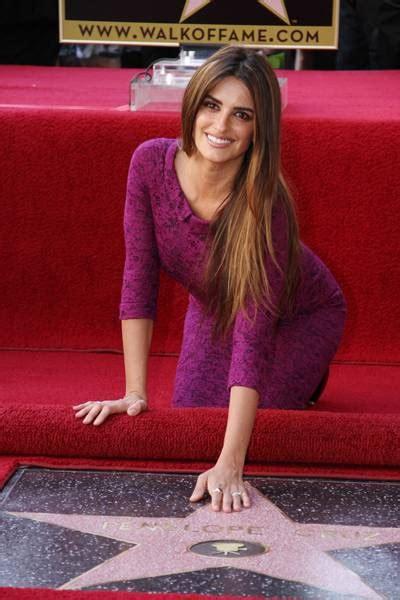 haute event penelope cruz earns star  hollywood walk
