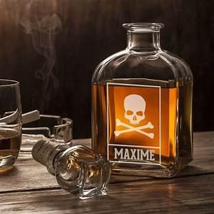 Verre A Whisky Tete De Mort : carafe whisky avec gravure de t te de mort ~ Teatrodelosmanantiales.com Idées de Décoration