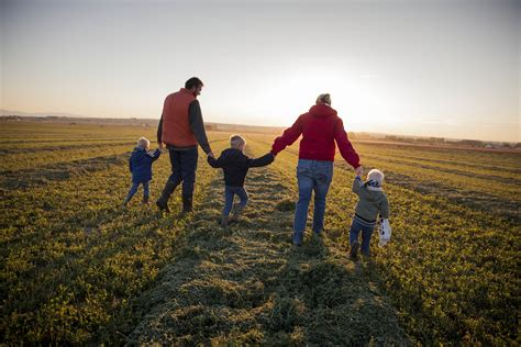 10 Benefits Of Growing Up On A Family Farm
