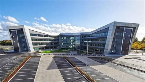 volkswagen group headquarters euroclad case study vw headquarters uk
