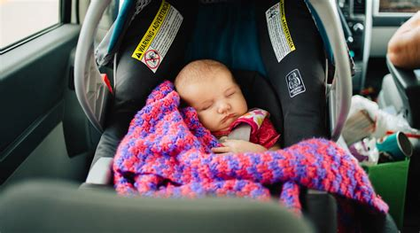 12 Tips That Help When Your Baby Cries In Car Seat-car