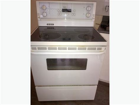 Inglis Royal 100 Electric Convection Stove Saanich, Victoria