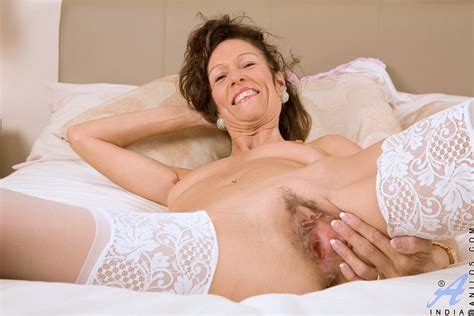 anilos milfs 99147 freshest mature women on the net