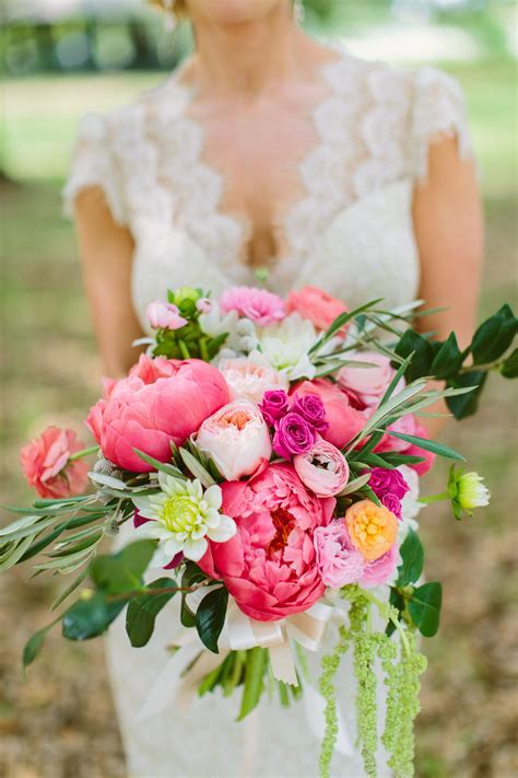 Pink And Blush Garden Bouquet Using Peonies Garden Roses