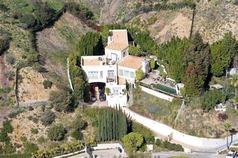 brittany murphy house address brittany murphy in file picture sharon murphy s house in