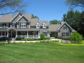 panoramio photo of beautiful house with big porch
