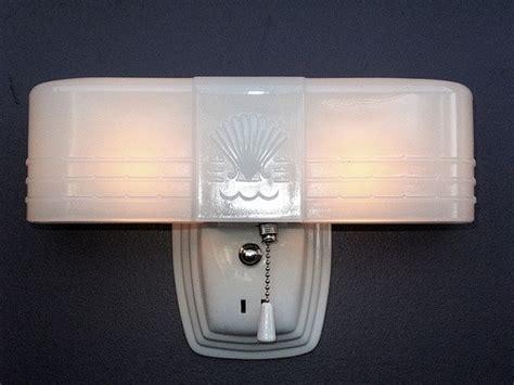 Retro Bathroom Fixtures by Top 30 Ideas About Retro Bathroom On 1930s