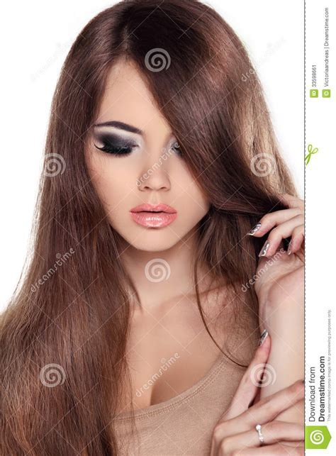 Hair. Beautiful Brunette Girl. Healthy Long Brown Hair