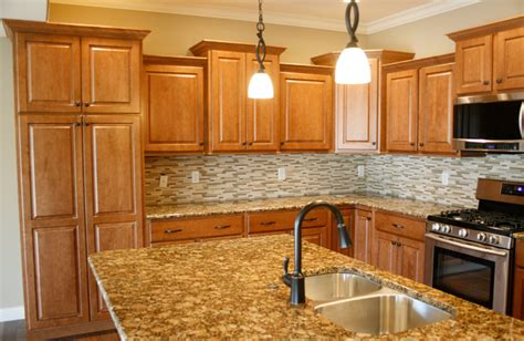 what color countertops go with oak cabinets granite colors to go with oak cabinets google search