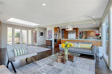 portes meubles de cuisine maison avec vue splendide sur l océan en californie vivons maison