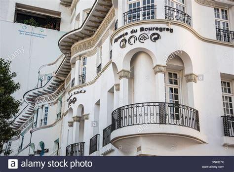 art deco l post trompe l 39 oeil painted on a building extending the adjacent