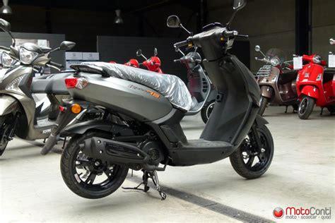 peugeot kisbee 4t motoconti scooter peugeot kisbee rs 50 4t 2018