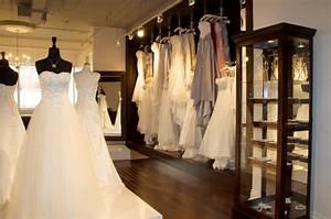 robes de mariee de designers quebecois les mariages d39amelie With magasin robe de mariée le mans