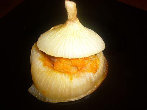 Vidusjúras virtuve: Karaliskie sipoli ar kirbju pildijumu siciliesu gaume