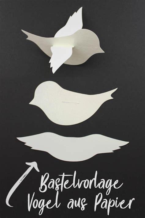 vogel basteln aus papier baby mobile mit v 246 gelchen bastelvorlage plotterfreebie kugelig kugelig