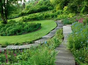 un jardin design avec des materiaux ecologiques With eclairage allee de jardin 6 un jardin design avec des materiaux ecologiques