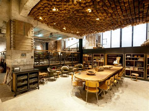 Starbucks Concept Store In Amsterdam by Starbucks Opens European Concept Store In Amsterdam
