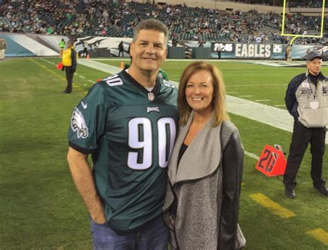 Mike Golic 2020: Wife, net worth, tattoos, smoking & body ...